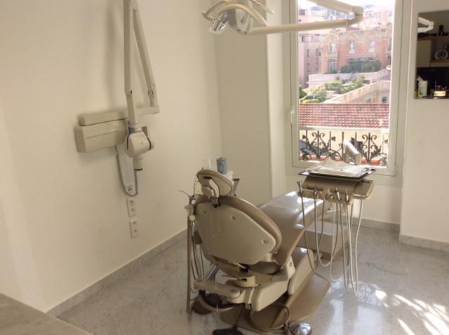 Salle de soins N° 6 des Dr Lamure et Melkonian